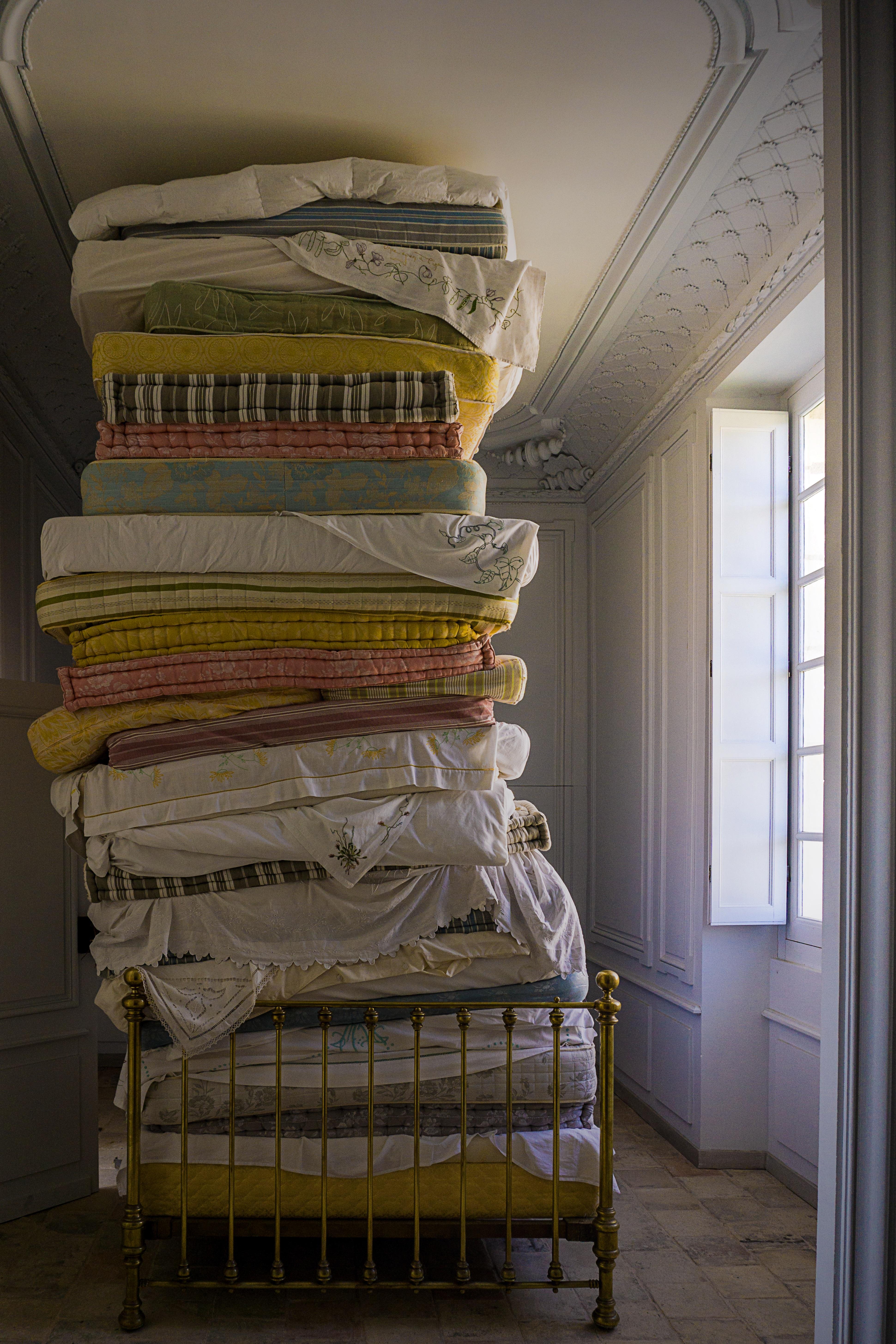 Cu l deber a ser la altura ideal de una cama viscoform for Cual es la medida de una cama queen